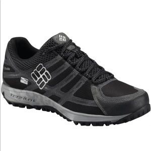 Men's Columbia Light Trail Hiking Shoes Outdry
